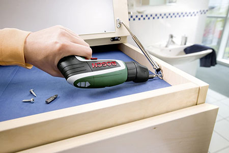 Bosch IXO Easy-Reach Adapter for hard to reach screws.